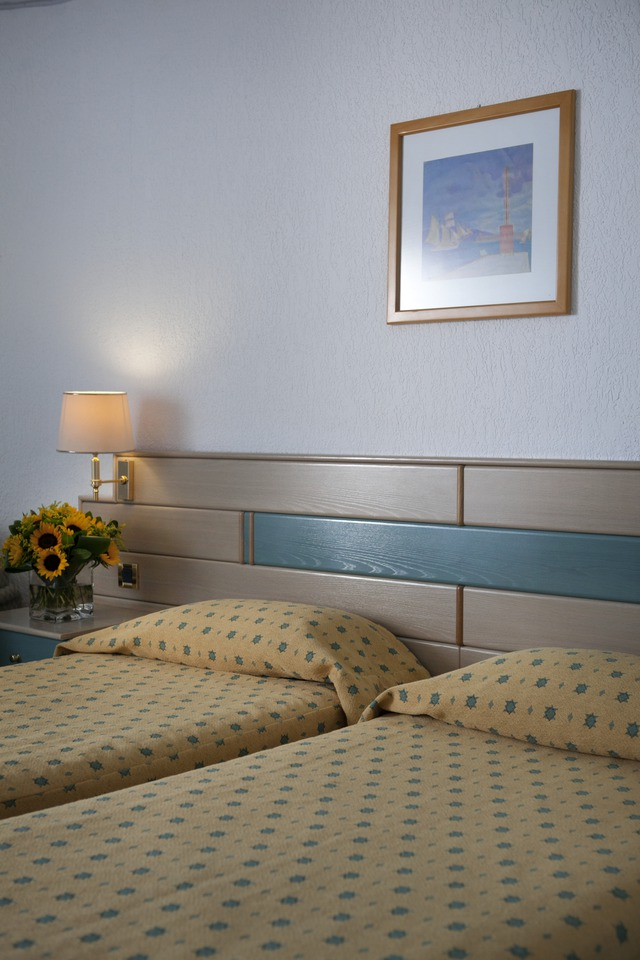 Pallini Beach Hotel - dbl sobi (korištenje sgl)