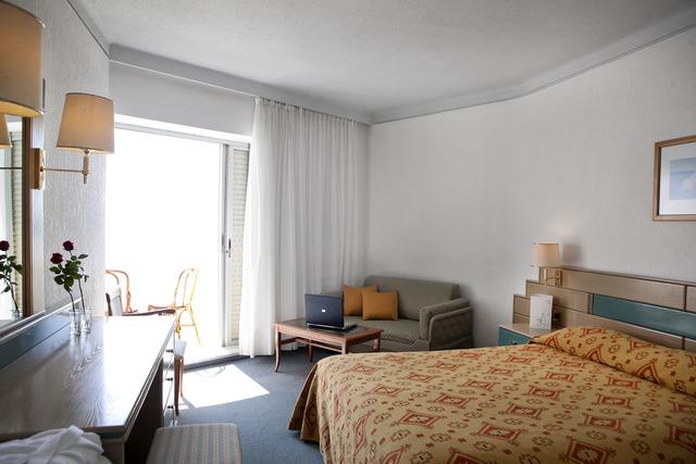 Pallini Beach Hotel - suite s pogledom na more sa strane