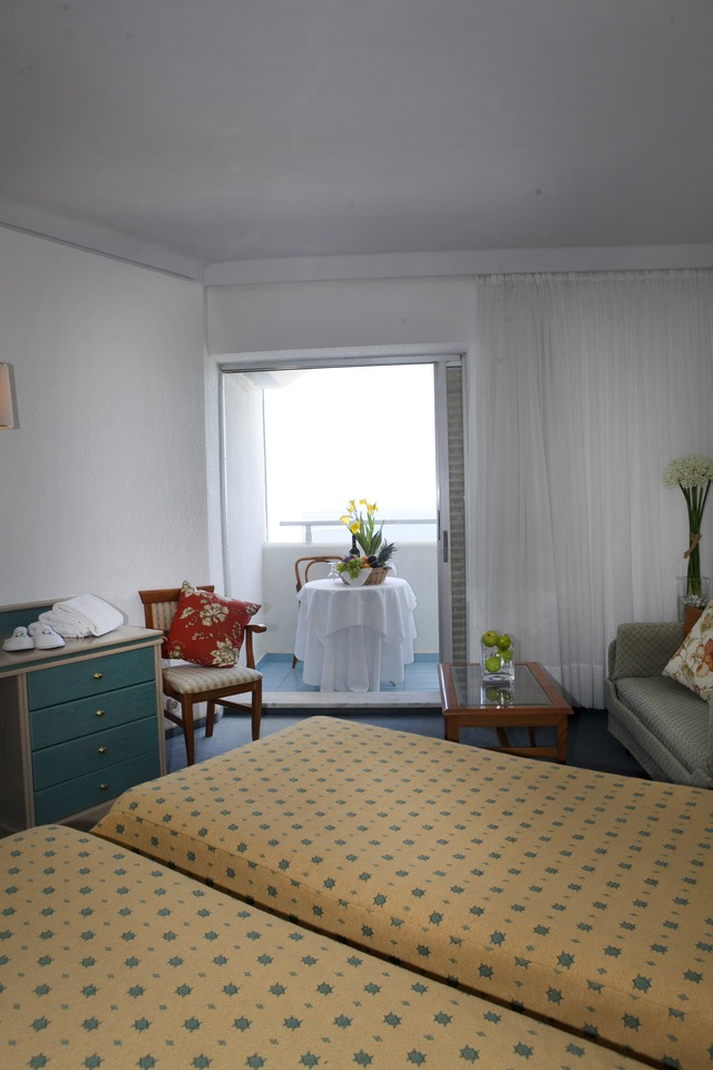 Pallini Beach Hotel - dvokrevetna soba pogled more sa strane